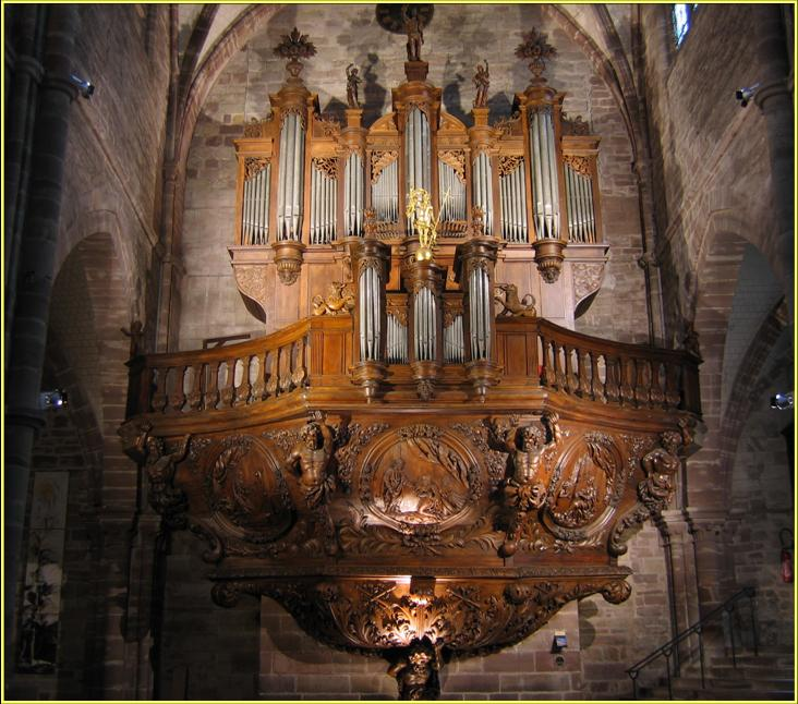 Le grand orgue de la basilique de Luxeuil /ABB24/ photo AASC